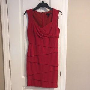 Slimming red dress